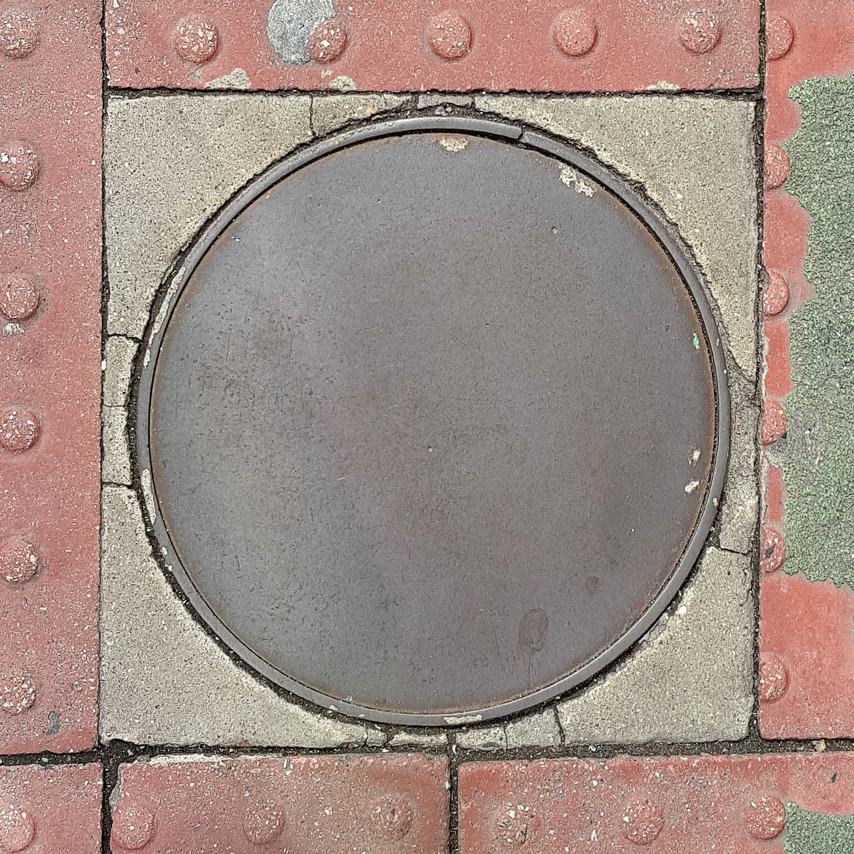 Manhole Cover, London - Smooth cast iron
